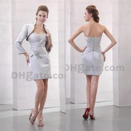 Promotion !! 2019 Silver Satin avec veste de beauté Court Perles De Perlée Robes de mariée avec fermeture à glissière MD011 en Solde