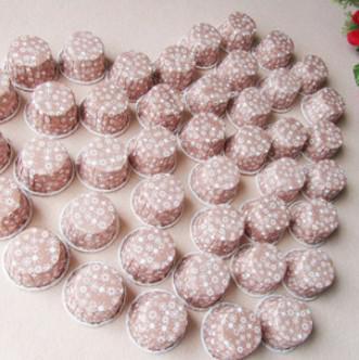 ペーパーケーキカップカップケーキケース焼きカップマフィンケースカップケーキラッパーミックスカラー