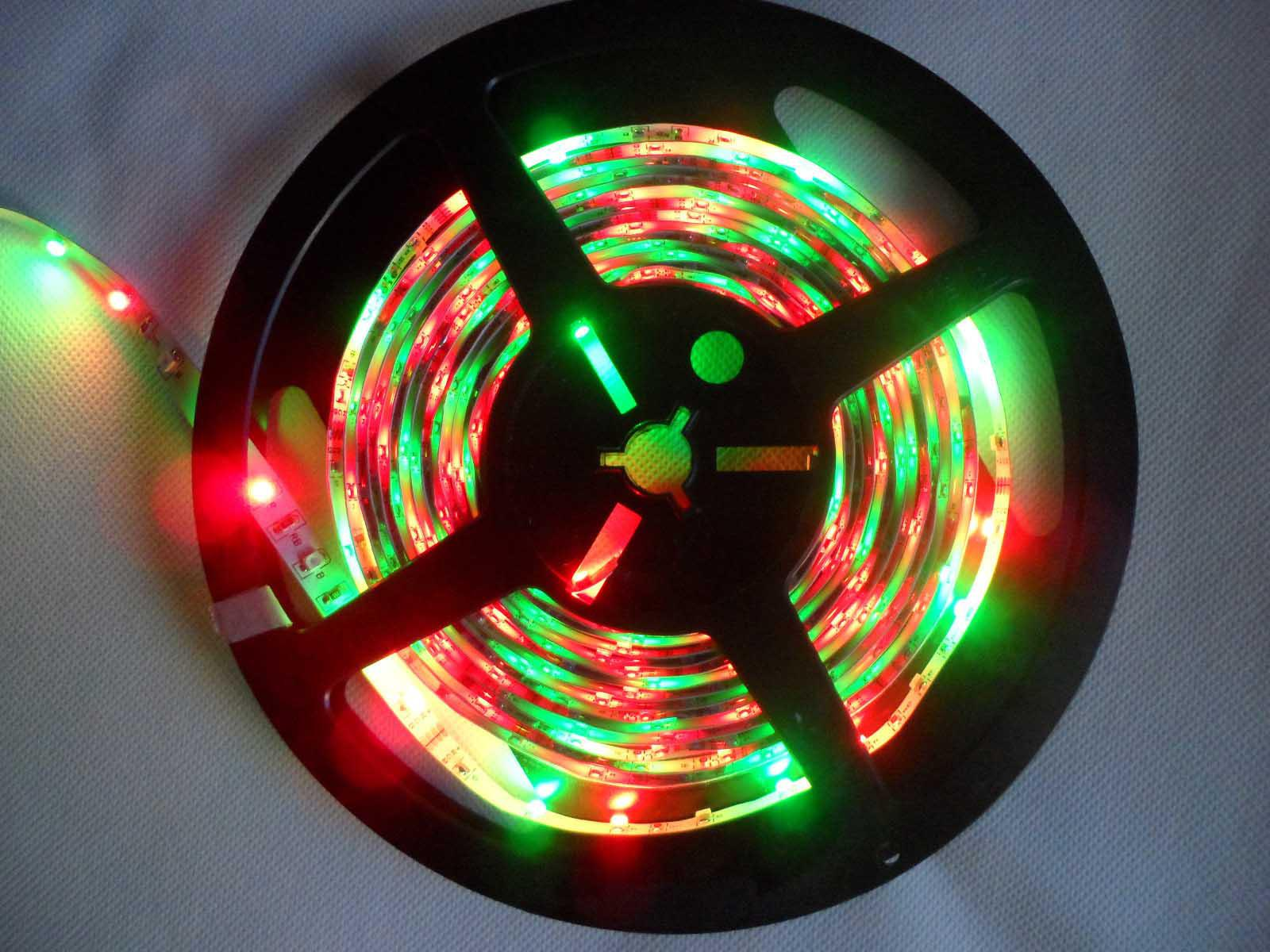 5M RGB 3528フレキシブル防水300 LEDストリップライト+ 24キーIRリモート+ EU US UKプラグ電源アダプタ