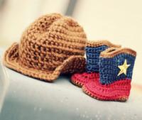 vestido estilo cowboy venda por atacado-Inverno NOVO ESTILO! Sapatinhos de bebê de crochê botas marrom chapéu de cowboy sets.Neonatal botas de neve cap bebê wear.Photo vestido! 5set /