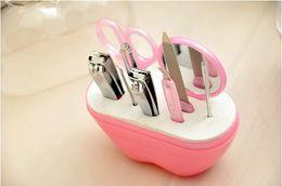 Wholesale Nail Clipper Set Men - Hot Sale Manicure Set Grooming Kit Nail Clipper set for Men Lady Girl apple style