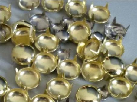 500 stücke 8mm Runde Gold Pyramide Studs Spots Punk Rock Nailheads DIY Spikes Tasche Schuhe Armband