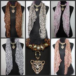 2019 pañuelos impresos georgette 20pcs * Leopard Head colgante bufanda leopardo joyería collares bufanda Crystal joyas bufandas moda Leopard Print bufanda pañuelos impresos georgette baratos