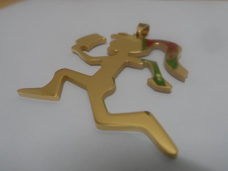 Personlighet Inkommande Kvinna Hatchet Man Rostfritt Stål Vakuumplätering Guldfärg Hängsmycke