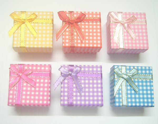 24 pçs / lote 5x5x3cm mistura cores anel brinco caixas de jóias display para presente bx12