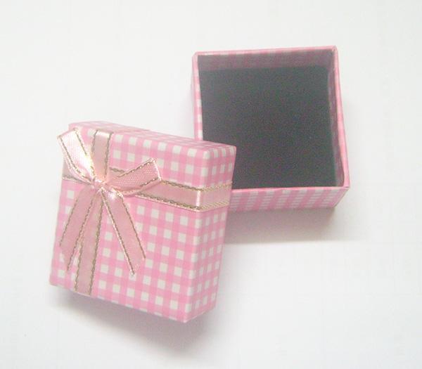 24 teile / los 5x5x3cm Mixfarben Papier Holz Schmuck Verpackung Display Boxen Ring Ohrring Für Geschenk BX12