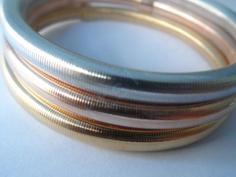 Rostfritt stål trefärgade armbandskombination av hög smak, fru gåva, vårmönster