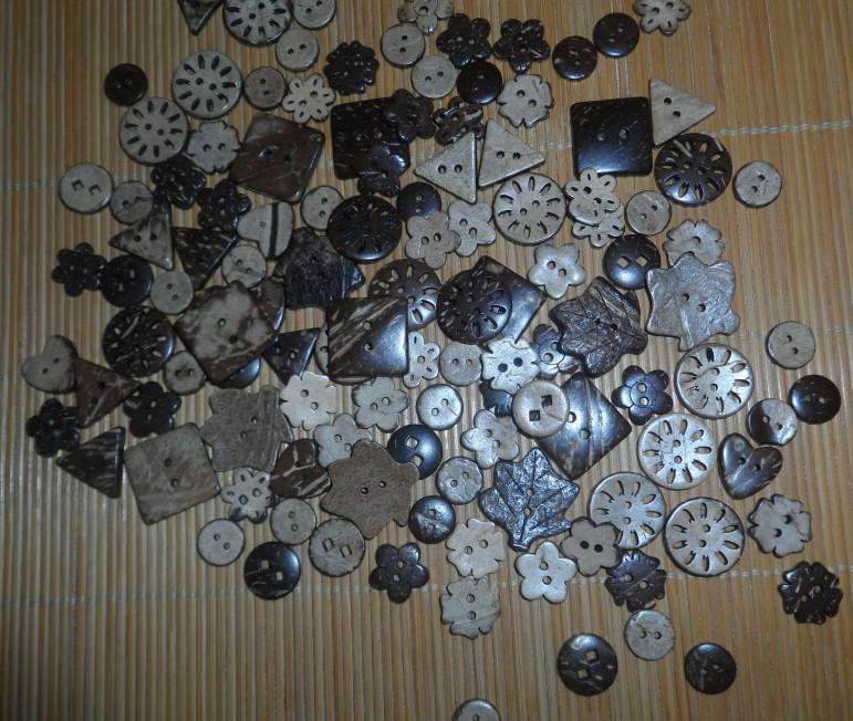 Kokosnoten knoppen gemengde verkoop knoppen ambachtelijke naaien knoppen houten gratis verzending