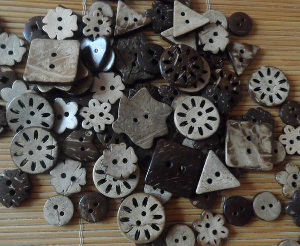 best selling Coconut buttons Mixed sale buttons craft sewing buttons wooden FREE SHIPPING