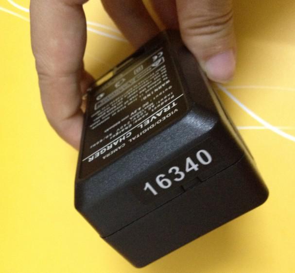 送料無料+デジタルバッテリーAC壁ホームチャージャー16340 / CR123A 3.7Vリチウムイオン充電式バッテリー