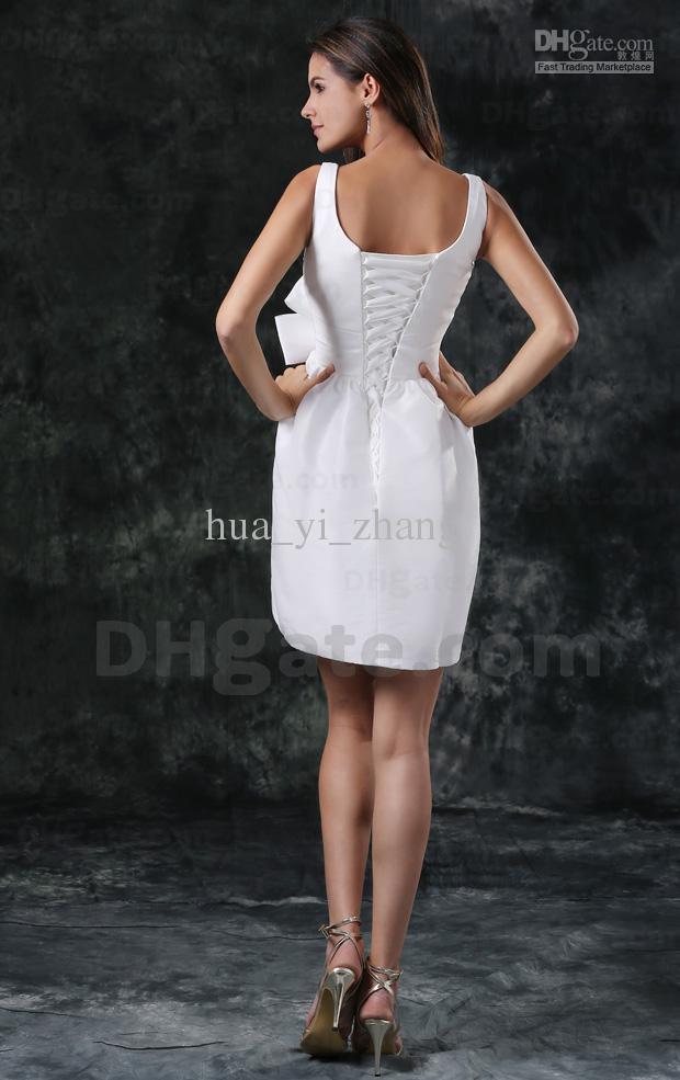 Sexy Petite Robe Blanche Robe De Mariée Gaine De Mariée Plage Robes De Mariée Encolure Dégagée À La Main Fleurs 100 Dhyz 01