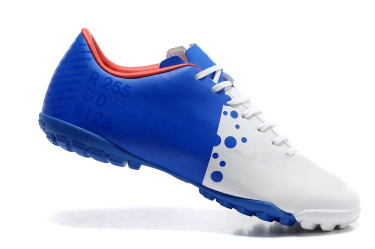 Best Football Shoes For Field Turf
