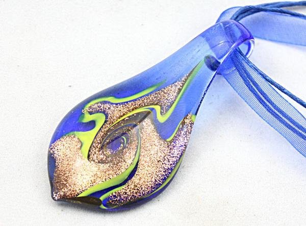 Collier pendentif en perles de verre au chalumeau feuille Fashion Italian Art murano Bijoux en verre de poussière d'or