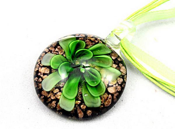 Pendentif rond en verre au chalumeau Bijoux de verre à la poussière de fleur italienne 3D fleur or mode italienne Art