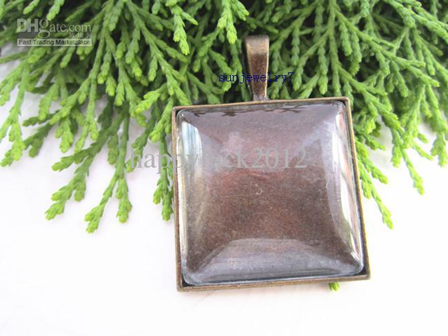 Plateaux pendants carrés en bronze et argent 25 mm avec cabochons en verre 20set / LOT