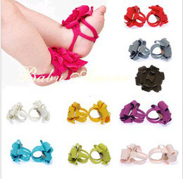 Wholesale Fashion Foot Wear - 2016 Baby Foot Wear Baby Kids Shoes Fashion Baby Shoes Flowers Boys Handmade Socks Girls Foot Flower Toddler Feet Band 4429