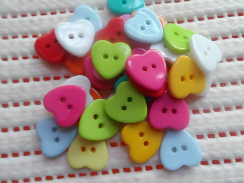 Botones multitono en forma de corazón ropa y bolsos para niños pequeños accesorios Herramientas de bricolaje