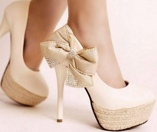 2016 Populära pumpar Svart eller Vit Fashion Lady's Eleganta Sommar Altro High Heel Pumps With Bow Women Shoes Platform Skor Gratis frakt