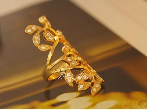 Popular Womens Diamond Ring Engraved Flowers Long Gold Rings