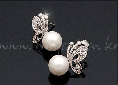 White Pearl Crystal Schmetterling Stud Hochzeit Perlen Halskette Ohrringe Set