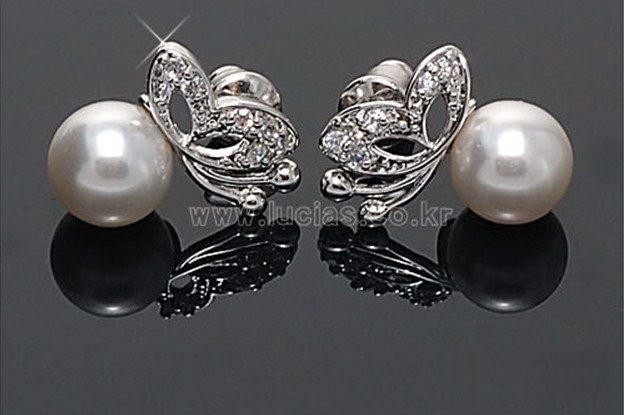 Vit Pearl Crystal Butterfly Stud Bröllop Beaded Halsband Örhängen Set