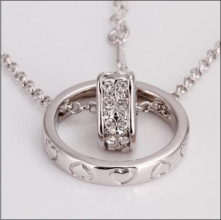 La alta calidad plateó el oro blanco 18K el collar pendiente del corazón del círculo del diamante checo que envía libremente