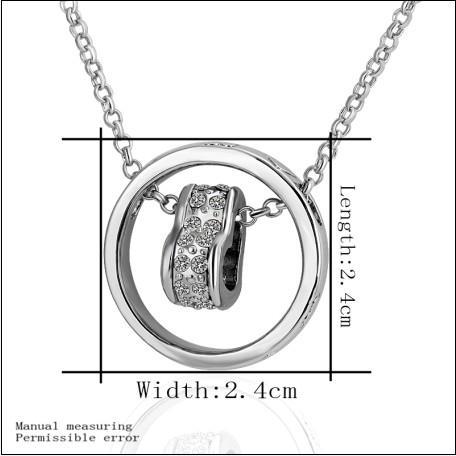 Högkvalitativ pläterad 18k vitguld den tjeckiska diamantcirkelhjärtan Halsband Gratis frakt