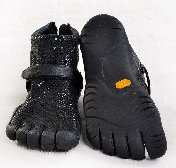 Womens Black Serpentine Leather Toe