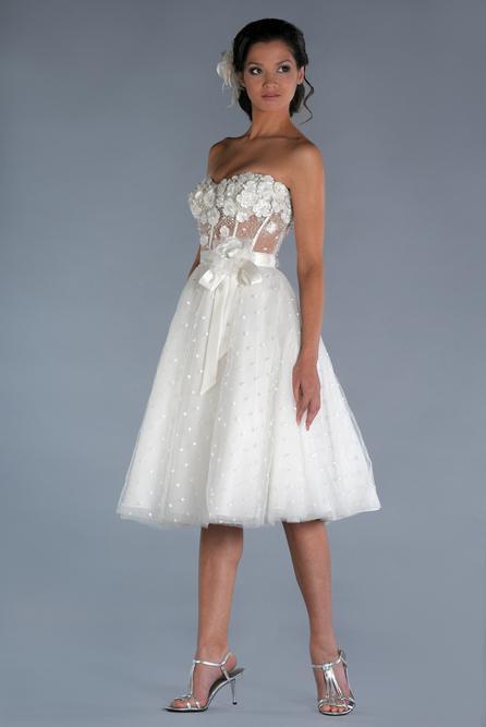 a197d017986 Дешевые A-Line Прозрачный корсет свадебное платье Короткое без бретелек  Тюль бисерные цветы чай Длина
