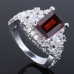 $enCountryForm.capitalKeyWord Canada - Ladies Nat Natural Gorgeous Oblong Red Garnet Genuine 925 Sterling Silver Ring R057