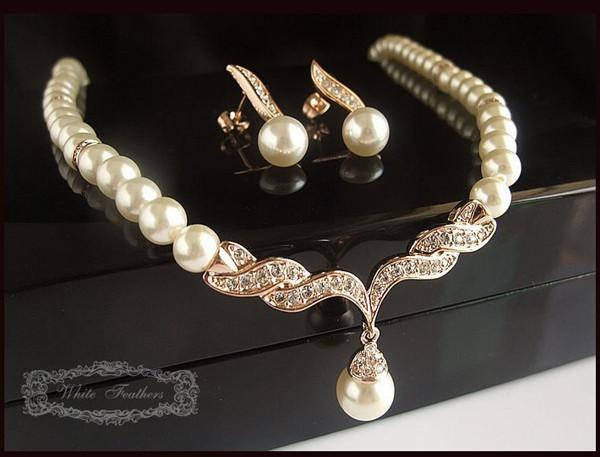 top popular Gold Plated Tear Drop Cream Pearl and Rhinestone Crystal Bridal Necklace and earrings Jewelry Set 2019