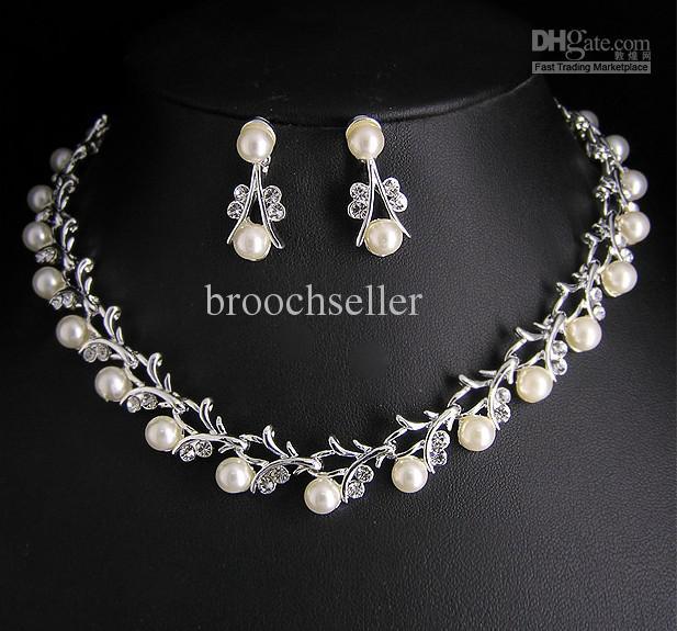 Hign qualidade exclusivo de cristal e pérola tyle Nupcial colar e brincos conjunto de jóias