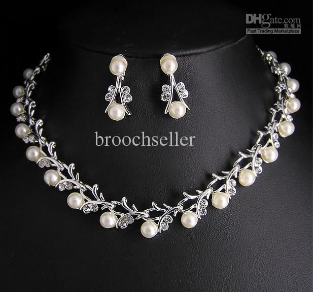 2020 Hign Quality Unique Tyle Crystal And Pearl Bridal Necklace And Earrings Jewelry Set From Broochseller 7 03 Dhgate Com