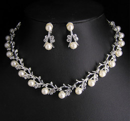 Wholesale Unique Pearl Jewelry - Hign quality Unique tyle crystal and pearl Bridal necklace and earrings jewelry set