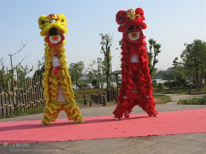 Yün Aslan Dans Maskot Kostüm Güney Tarzı Bambu Dokuma Başkanı Kürk Kutlama Parti Kıyafeti