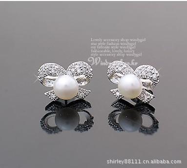 12ペア卸売ホワイトパールクリスタルバタフライスタッド結婚式ビーズイヤリング