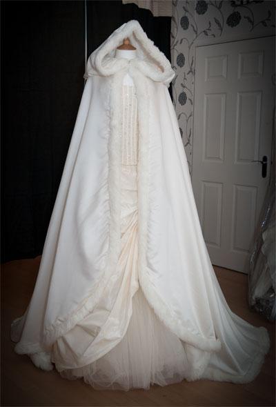 Buen precio, invierno, grueso, cálido, largo, estilo, agregue el abrigo de boda Headgear WDC001