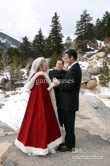 Ny ankomst kund gjord röd färg vinter vackra hooded bröllopsklänningar för Bridal Cape WDC005