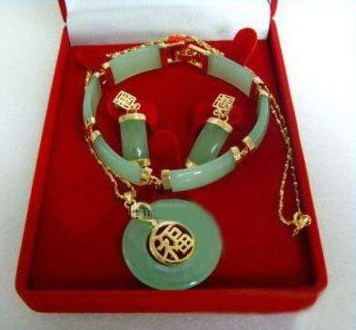 En gros pas cher réel chanceux jade pendentif bracelet boucles d'oreilles ensembles