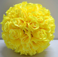 flor amarilla besando pelotas al por mayor-Color amarillo Kissing Ball Pomander Flores Ball Crystal Pew Arcos Wedding Party Supplies