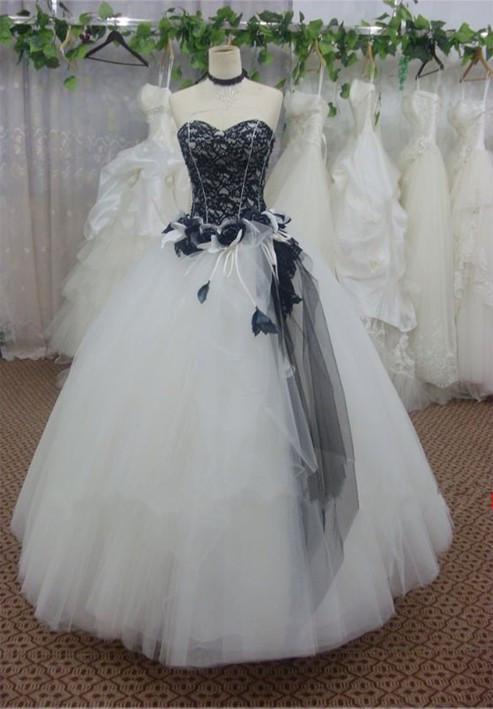 Vestido largo hecho a medida en blanco y negro de encaje con decoración de flores Vestido de fiesta en forma de bola de tul para el vestido formal