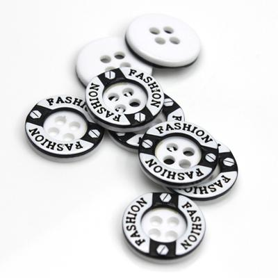 Botón general de 4 agujeros en color blanco y negro con botones de color, envío gratuito