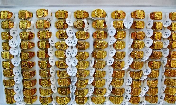 50 pcs * liga com chapeamento de ouro dos homens anéis de ouro estilo misto anel de ouro moda anel de ouro