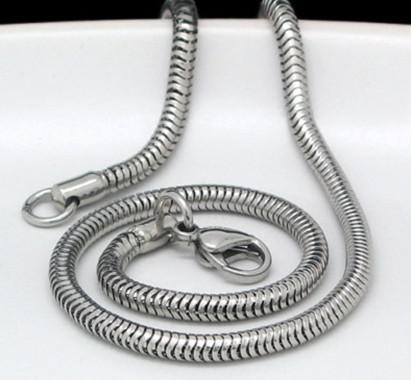 Collar de cadena de serpiente redonda de acero inoxidable plateado de alta calidad de 3.2 mm, 21.6 `` para el cumpleaños de los hombres geniales