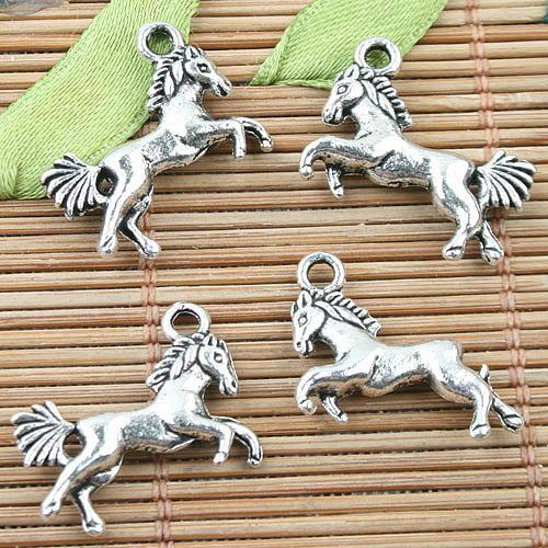 Liga de metal tibetana prata mini cavalo projeto encantos 22pcs EF0025