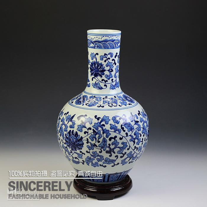 Jingdezhen Ceramic Vase Chinese Style Flower Vase Blue And White Porcelain Interlocking Lotus