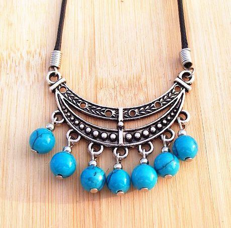 Weihnachten Stilvolle Leder Tibet Silber Türkis Perlen Quasten Anhänger Halskette Mond Boot Frauen 15ppcs