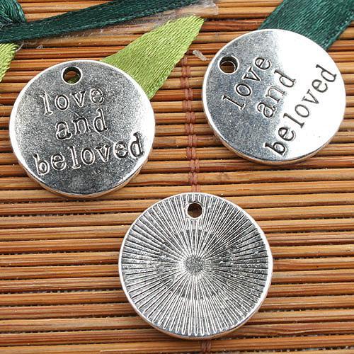 Liga de metal tibetano cor prata rodada amor encantos 22pcs EF0125