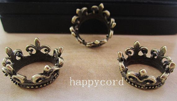 (cor misturada) Antique Bronze e cor prata coroa Pingente Encantos 20mm 30 peças / lote