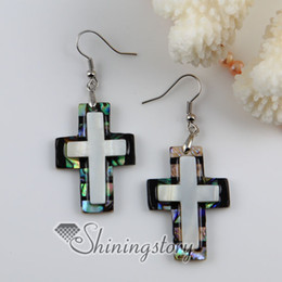 Wholesale Earrings Oyster Shell - Christian cross patchwork seawater rainbow abalone white oyster shell mother of pearl dangle earring